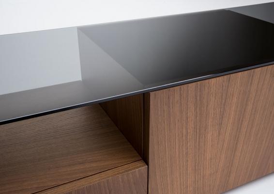Arredo mobile porta tv piano vetro Mike di BertO