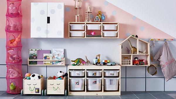 Cameretta montessoriana con la serie Trofast di Ikea