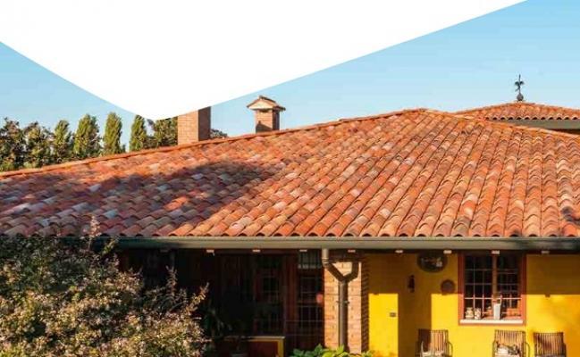 Dettagli tetti in coppi braas