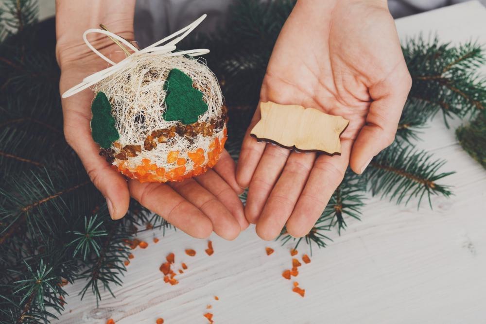 Sfere natalizie e bricolage