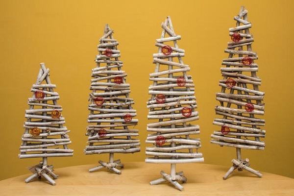 Alberi Di Natale In Legno Da Appendere : Realizzare un albero di natale fai da te