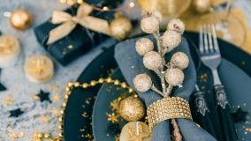 10 idee per addobbare la tavola di Natale con gusto e originalità