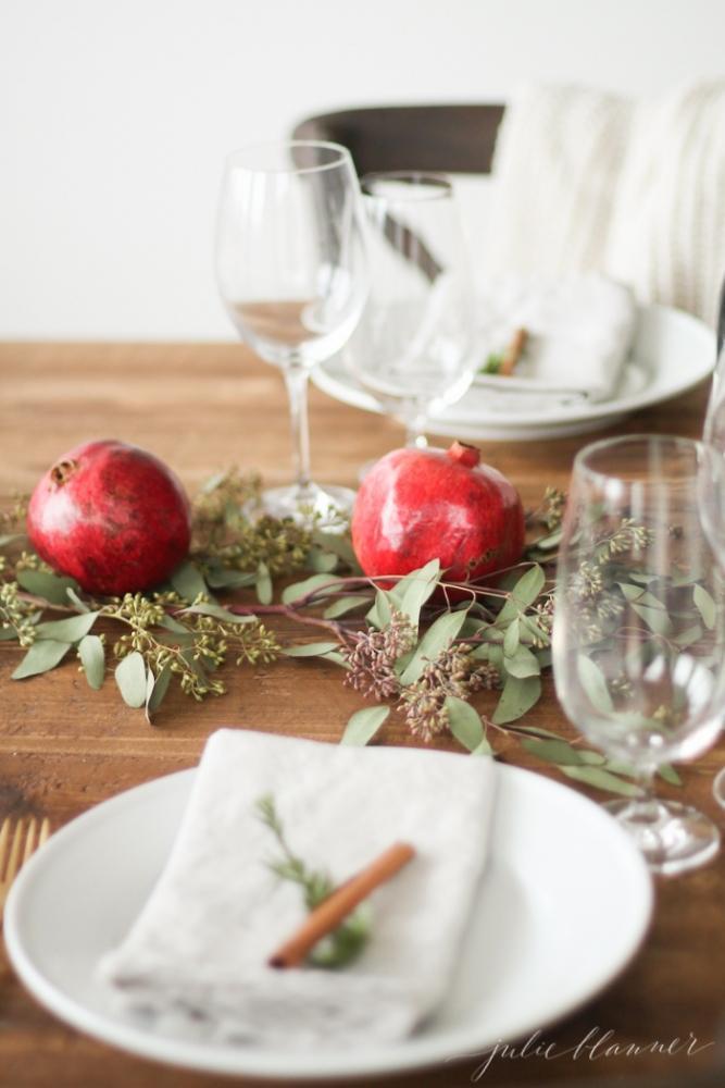 Melograno in tavola, da julieblanner.com