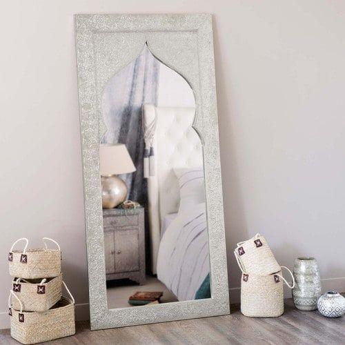 Specchio in legno stile indiano, idea regalo per Natale di Maisons du Monde