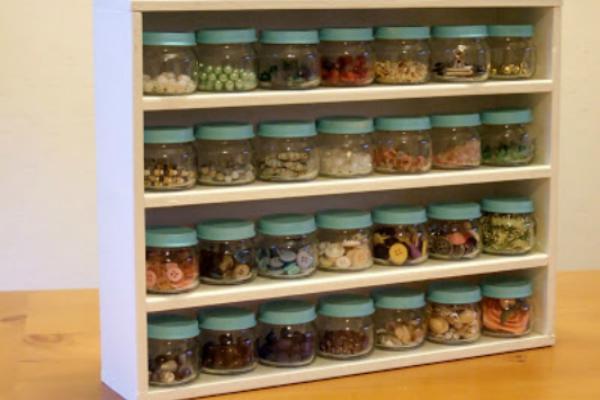 Vasetti di omogeneizzati usati come porta spezie by Linda