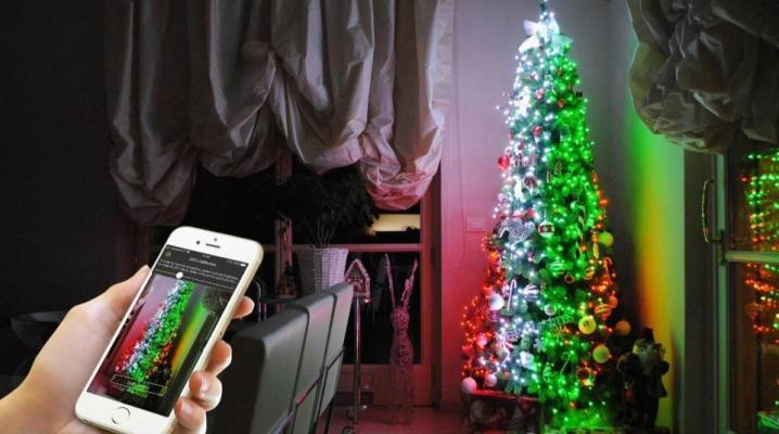 Albero con luci di Natale a led e app by twinkly