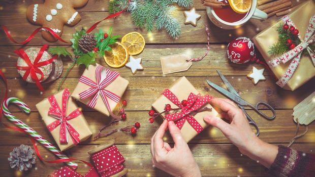 Pacchetti regalo fai da te per Natale