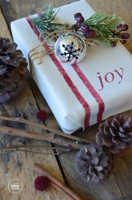 Decorare pacchetti natalizi fai da te, da theidearoom.net