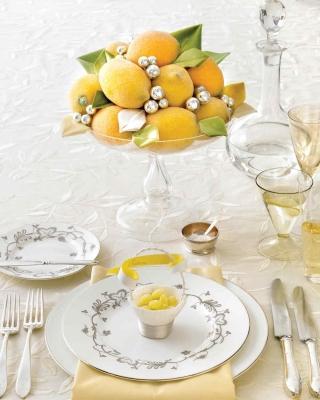 Tavola di capodanno con limoni, da marthastewart.com