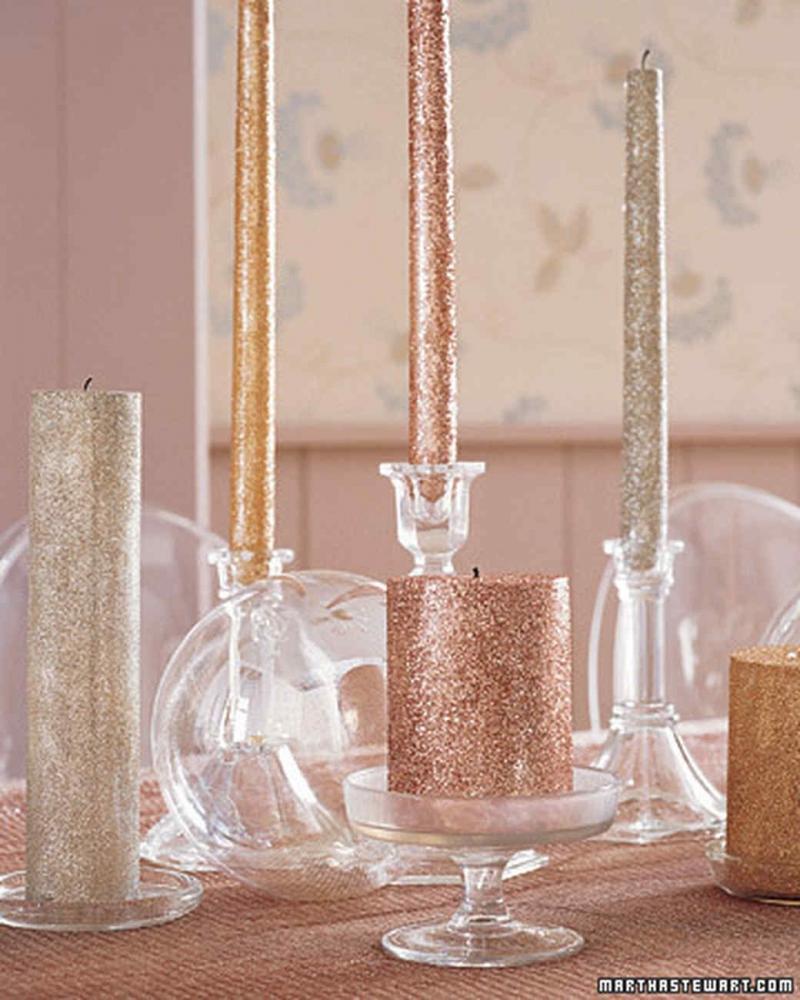 Allestire la tavola di capodanno con le candele, da marthastewart.com