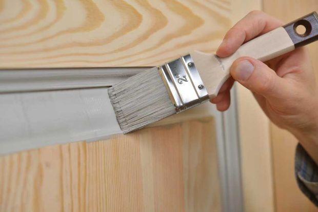 Verniciare il legno con gli smalti ad acqua Arreghini
