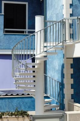 Scala esterna in alluminio e marmo - Fargione