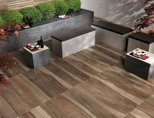 Pavimenti in legno o gres porcellanato in finto legno - Gres porcellanato effetto legno da esterno ...