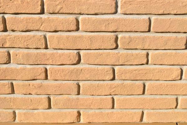Realizzare un muro in finti mattoni for Mattoni finti per interni