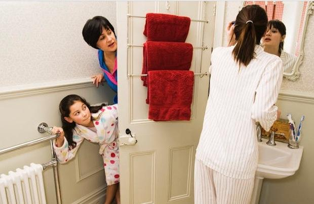 Sfruttare la porta per appendere gli asciugamani