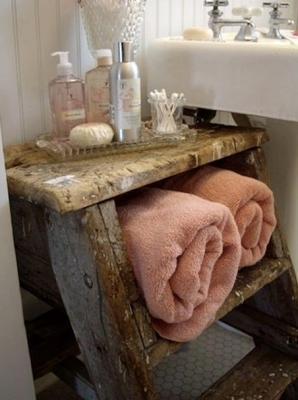 Sgabello da recupero per posizionare gli asciugamani, da rosebudscottage.typepad.com