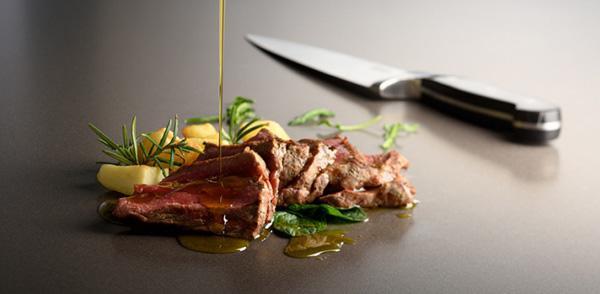 Cucine su misura con rivestimenti XXL di Lapitec