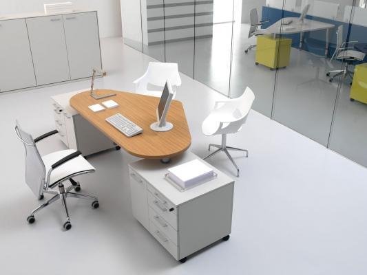 Falegnameria Gazzurelli: scrivania a cuore su basi office