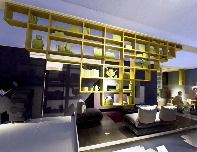 Libreria sospesa di Lago per il soggiorno moderno