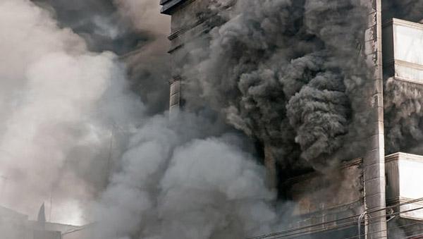 Le scale a prova di fumo restano praticabili anche durante l'incendio