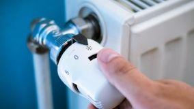 Guida allo spurgo dei tubi del termosifone in fai da te