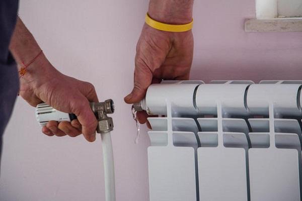 Sfiato tubi del termosifone