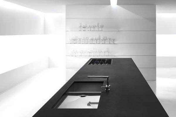 Isola color nero di Minimal Cucine