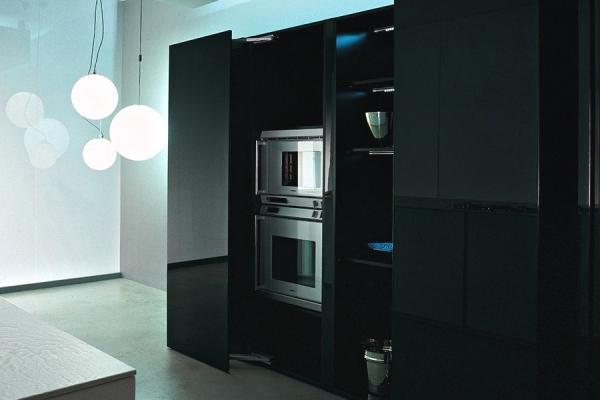 Minimal Cucine: colonne con elettrodomestici a scomparsa
