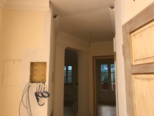 Unire due appartamenti contigui e modificare gli impianti con interventi minimi