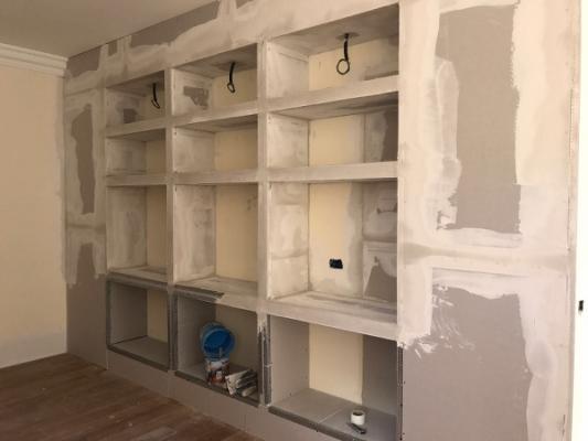 Ristrutturazione appartamento: realizzare libreria su misura