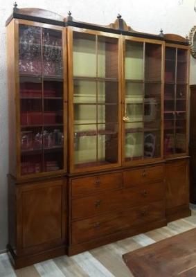 Come distinguere mobili antichi, in stile antico e falsi