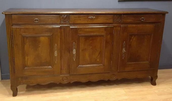 Credenza Con Vetrina Stile Inglese : Come distinguere mobili antichi in stile antico e falsi