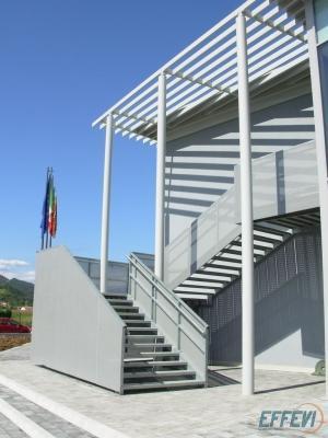 La scala antincendio esterna di Effevi si trasforma in elemento architettonico