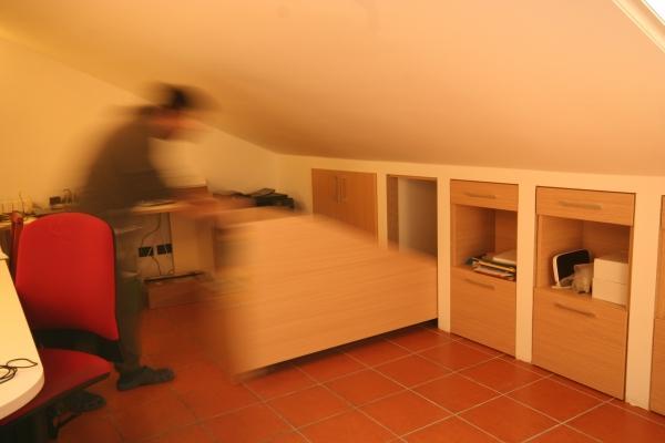 Mansarda cassettiere basse su misura movimentazione
