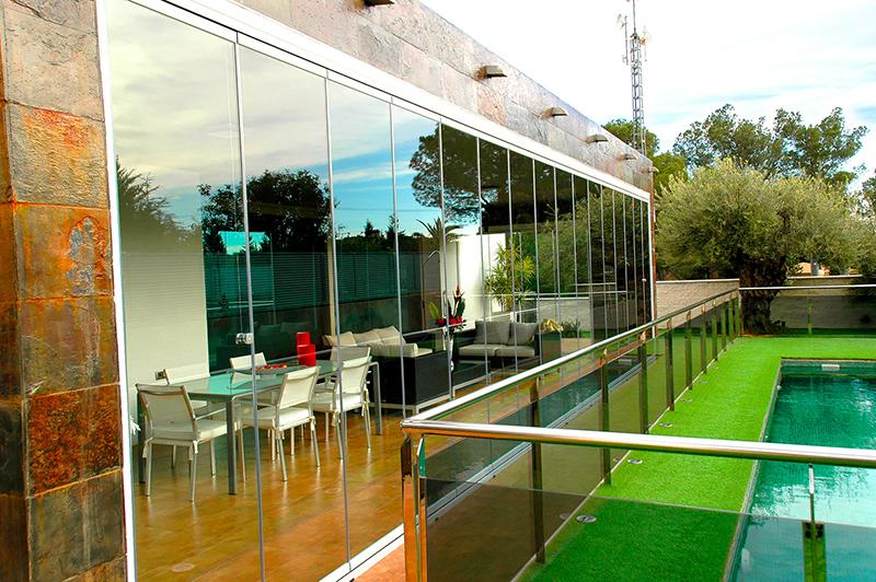 Vetrate per esterni scorrevoli in vetro for Finestre roma prezzi
