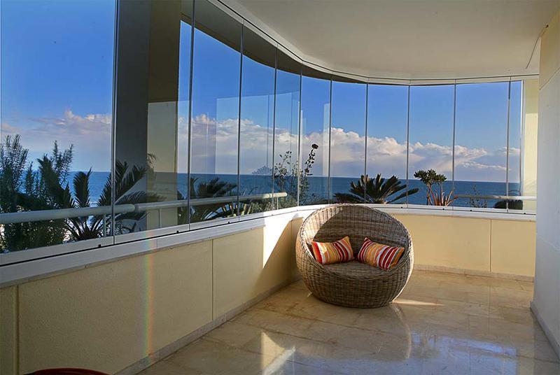 Belle vetrate scorrevoli finestra