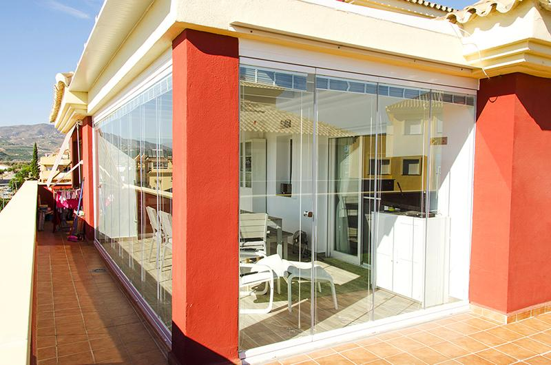 Vetrate per esterni scorrevoli in vetro for Piani di veranda coperta