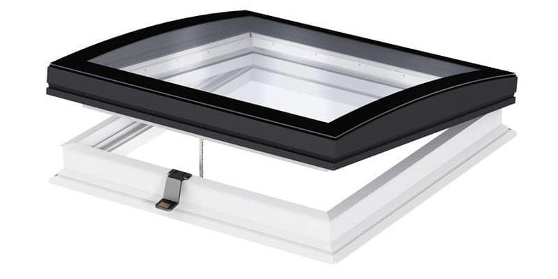 Finestra Velux per tetti piani con vetro curvo