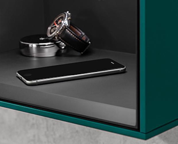 Bagno smart con dispositivi di ricarica wireless, da Villeroy & Boch