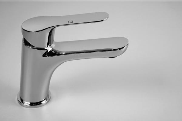Tendenze arredo bagno 2018: rubinetti a risparmio idrico, da Gattoni