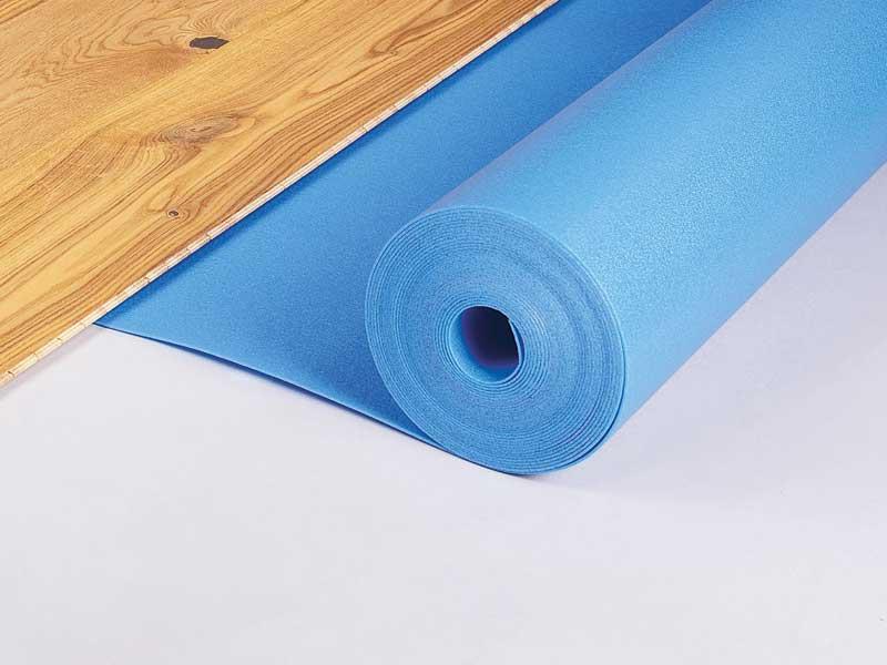 Come mettere il parquet prefinito: materassini, colle e prodotti di pulizia