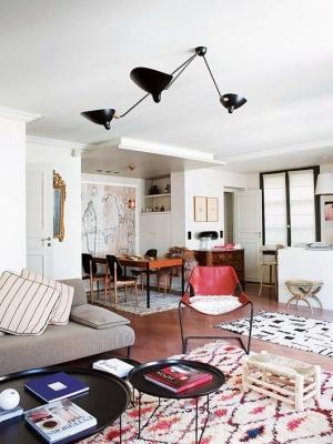 Mix di stili in soggiorno, da dailydreamdecor.com