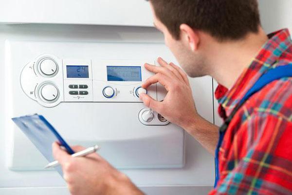 Controllo periodico caldaia domestica