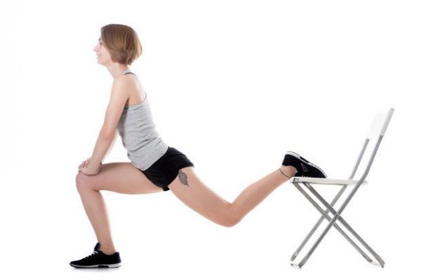 La sedia può essere usata per svolgere diversi esercizi in casa