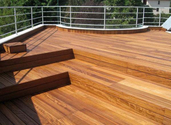 Pavimenti in legno per esterni - Piastrelle in legno da esterno ...