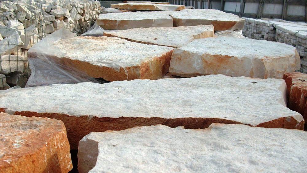 Pavimenti Da Esterno In Pietra.Foto Come Costruire Una Pavimentazione Esterna In Pietra