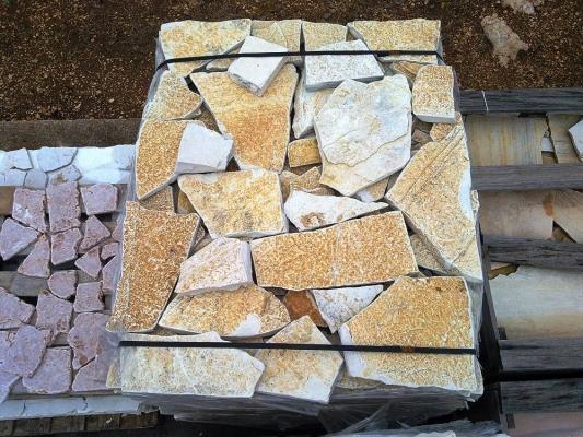 Lastre albanesi squadrate antichizzate, di Pietra Ambiente