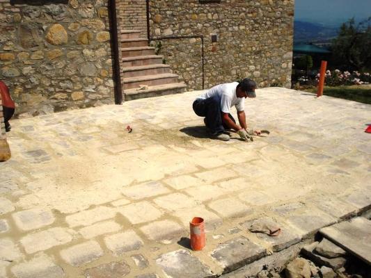 Pavimentazione in pietra: costruzione by Impremar
