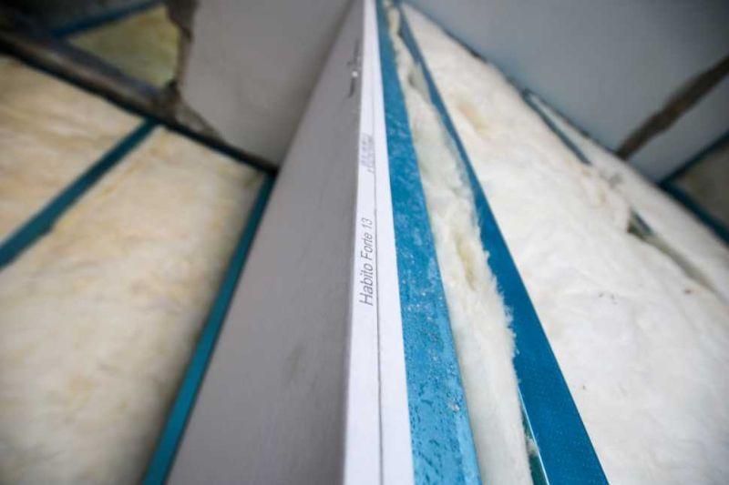 Isolamento acustico con lana di vetro e pannelli in cartongesso