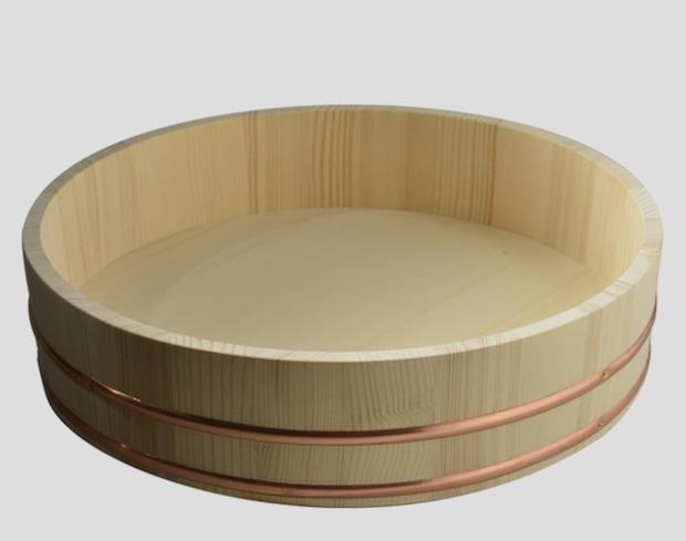 Hangiri, il contenitore in legno per raffreddare e condire il riso, da sushitalia.com